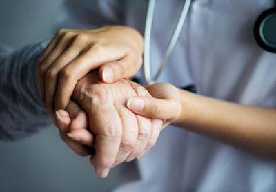 کمک به بیماران نیازمند